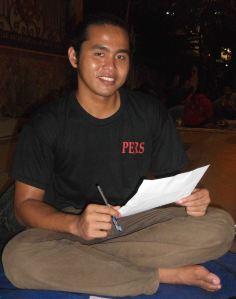 Junaidi Khab - Belajar Sambil Berpose pada Diskusi Indonesia Belajar - IB 28 Mei 2014